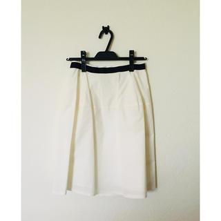 アンタイトル(UNTITLED)の美品☆ untitled スカート 白 Mサイズ(ひざ丈スカート)