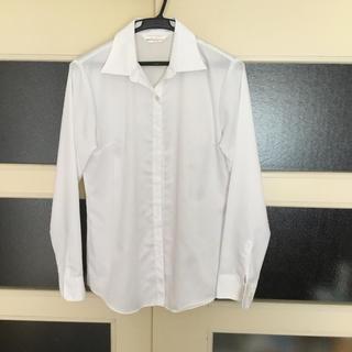 アオヤマ(青山)のスーツ用白ブラウス(シャツ/ブラウス(長袖/七分))