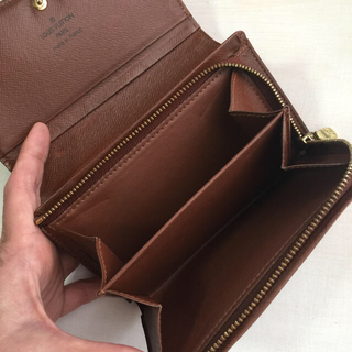 ルイヴィトン(LOUIS VUITTON)の美品です ルイヴィトン モノグラム ポルトフォイユトレゾール 二つ折り財布(財布)
