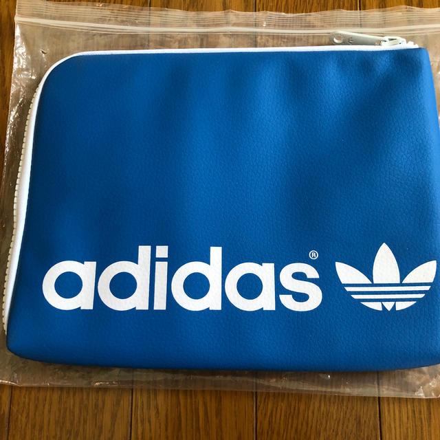 adidas(アディダス)のadidas originals  iPadケース スマホ/家電/カメラのスマホアクセサリー(iPhoneケース)の商品写真