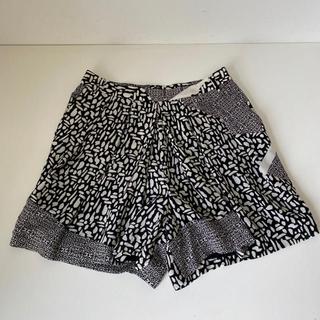 トゥモローランド(TOMORROWLAND)のBACCA バッカ 絹100 キュロット ショートパンツ(ショートパンツ)