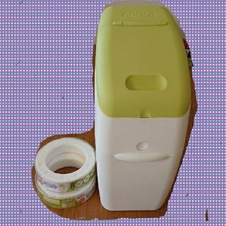アップリカ(Aprica)の専用カセット2個付!apricaオムツゴミ箱「におわなくてポイ 消臭タイプ」(紙おむつ用ゴミ箱)