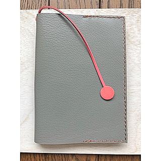 本革 グレー色のブックカバー3(ブックカバー)