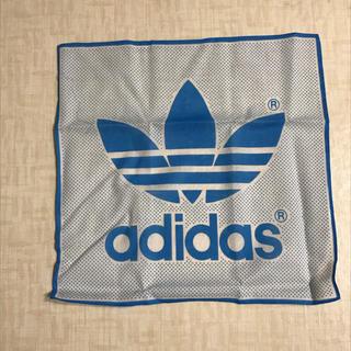 アディダス(adidas)のadidas 箱入りハンカチ 標準サイズ 未使用品(ハンカチ/ポケットチーフ)