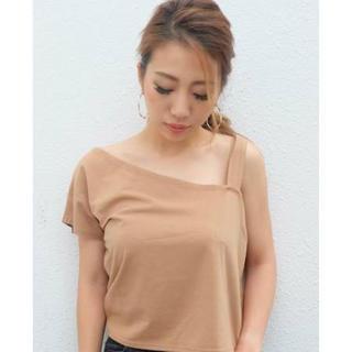 リゼクシー(RESEXXY)のワンショルカットトップス(Tシャツ(半袖/袖なし))