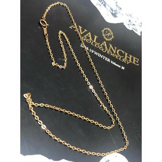 アヴァランチ(AVALANCHE)のアヴァランチ 10K  YG クロスケーブル ネックレス 46cm(ネックレス)