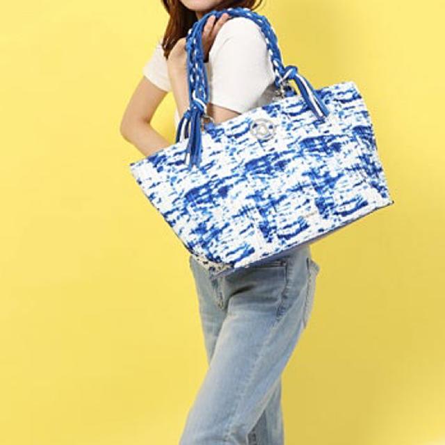 DESIGUAL(デシグアル)の新品✨定価19900円デシグアル ブルー系 今季⭐️新作⭐️トートバッグ レディースのバッグ(トートバッグ)の商品写真