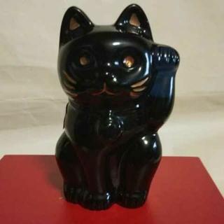バカラ(Baccarat)のバカラの招き猫、ブルーです。日本の直営店でしか販売されていない専用座布団付です(置物)