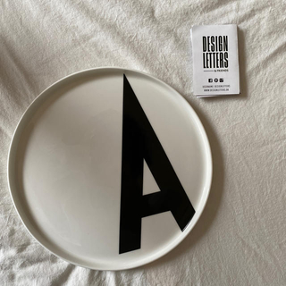 アクタス(ACTUS)の新品 デザインレターズ ポルセリンプレート(食器)