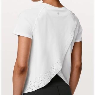 ルルレモン(lululemon)の《ルルレモン》Quick Pace Short Sleeve ◆ 白 サイズ 4(Tシャツ(半袖/袖なし))