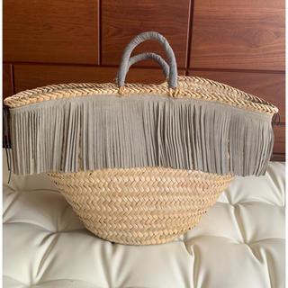アパルトモンドゥーズィエムクラス(L'Appartement DEUXIEME CLASSE)の【美品】イタリア製 フリンジ かごバッグ 籠 鞄(かごバッグ/ストローバッグ)