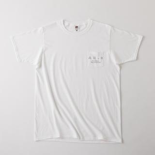 1LDK SELECT - AH.H ロゴポケットTシャツ [WHITE] ステッカー付き