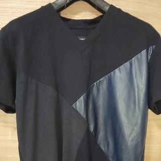 ウノピゥウノウグァーレトレ(1piu1uguale3)のクレイジーパターン レザーTシャツ 1piu1uguale3(Tシャツ/カットソー(半袖/袖なし))