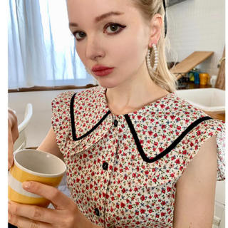 ロキエ(Lochie)のpiping flower big collar blouse white(シャツ/ブラウス(半袖/袖なし))
