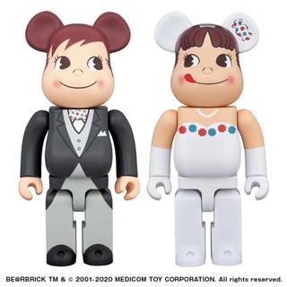 メディコムトイ(MEDICOM TOY)の不二家 BE@RBRICK ペコちゃん & ポコちゃん 400%(その他)