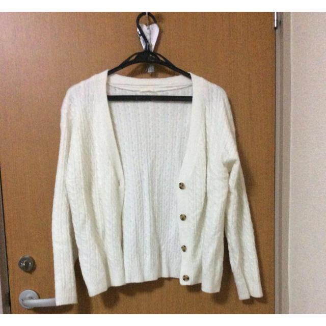 GU(ジーユー)の【1ヶ月限定】ホワイトカーディガン レディースのトップス(カーディガン)の商品写真