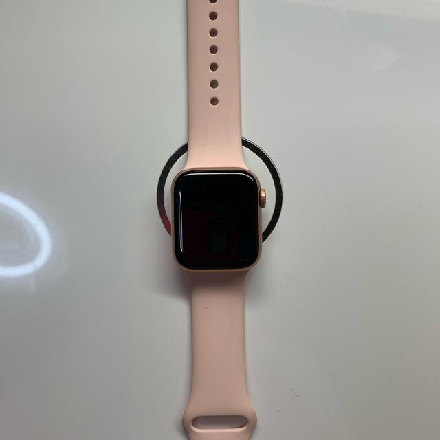 Apple Watch Series 4(GPSモデル)- 40mm  メンズの時計(腕時計(デジタル))の商品写真