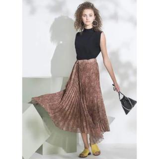 Mila Owen - 《新品タグ付き》ミラオーウェン フロントデザインプリーツスカート