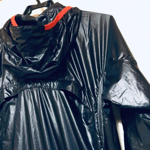 年末年始値下げ レリック エレボス ウィンドブレーカー ブラック スポーツ/アウトドアのランニング(ウェア)の商品写真