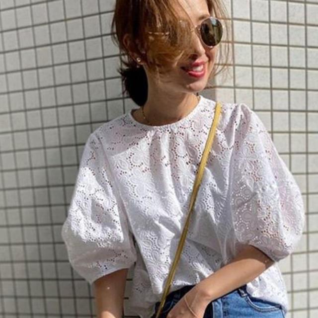 Plage(プラージュ)の新商品🌺お花パンチング  ブラウス レディースのトップス(シャツ/ブラウス(半袖/袖なし))の商品写真