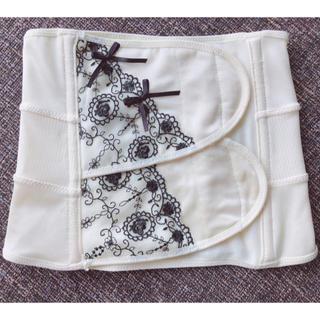 ニシマツヤ(西松屋)の産後骨盤矯正ベルト(エクササイズ用品)