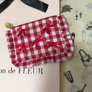 Maison de FLEUR - 【新品.タグ付き】♡メゾンドフルール♡ギンガムチェックティッシュポーチ♡
