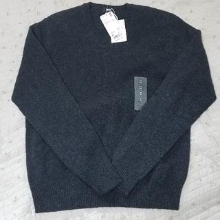 ユニクロ(UNIQLO)のラム Vネックセーター M(ニット/セーター)