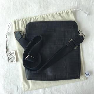 ロエベ(LOEWE)の美品 Loewe ロエベ レザー ショルダーバッグ ブラック 保護袋付き(ショルダーバッグ)