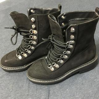 フォーエバートゥエンティーワン(FOREVER 21)のforever21 ブーツ 黒 ブラック(ブーツ)
