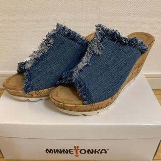 ミネトンカ(Minnetonka)の新品未使用 試着のみ ミネトンカ ウェッジソール デニムサンダル フリンジ(サンダル)