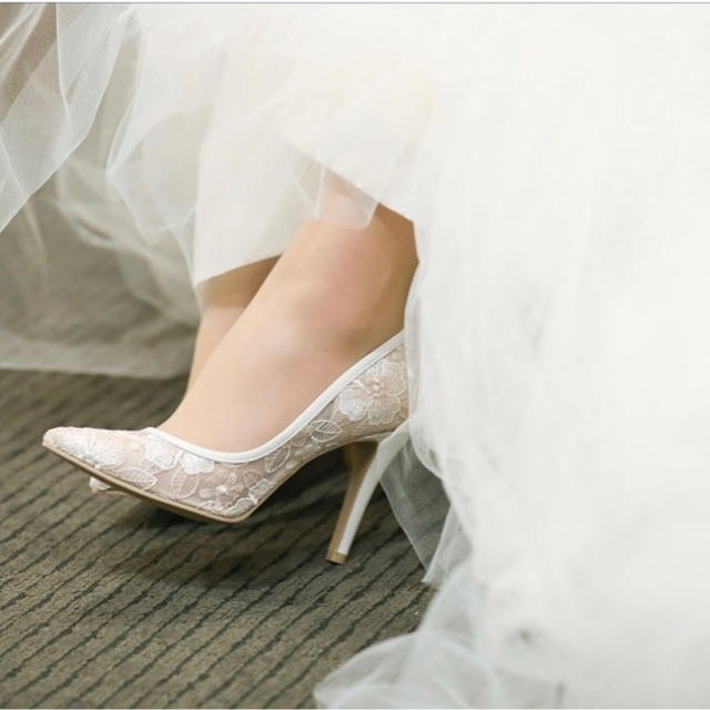DIANA(ダイアナ)のダイアナ 花刺繍のパンプス♡ 21.5cm レディースの靴/シューズ(ハイヒール/パンプス)の商品写真