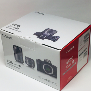 Canon - 新品 Canon ミラーレスカメラ EOS Kiss M ダブルズームキット 白