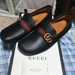 グッチ(Gucci)のGUCCI  グッチ ドライビングシューズ  黒×金 シリアルナンバー(ドレス/ビジネス)