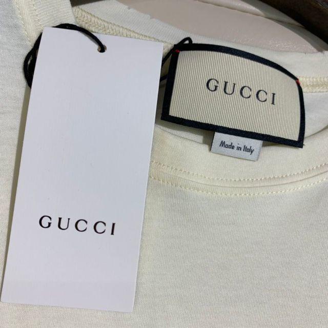 Gucci(グッチ)の正規品   グッチ   Tシャツ     ロゴ半袖   カットソー メンズのトップス(Tシャツ/カットソー(半袖/袖なし))の商品写真