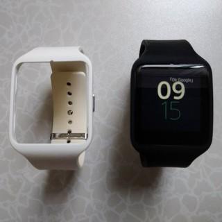 ソニー(SONY)のSONY smartwatch 3 SWR50 リストバンド・ブラック+ホワイト(腕時計(デジタル))