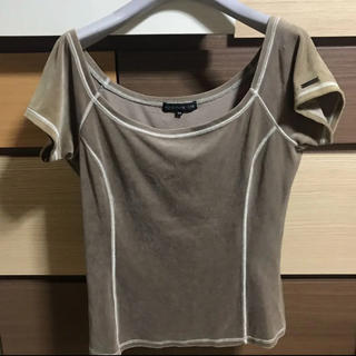 フォクシー(FOXEY)のフォクシーNY ベロアオフショル ロゴ付き 春夏秋(Tシャツ(半袖/袖なし))