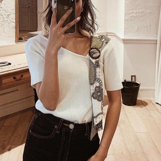 RESEXXY(リゼクシー)のRESEXXY  アシンメトリースカーフトップス レディースのトップス(カットソー(半袖/袖なし))の商品写真