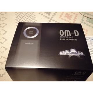 オリンパス(OLYMPUS)のオリンパス OM-D E-M10 Mark III ダブルズームレンズキット ブ(デジタル一眼)