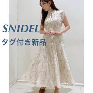 snidel - 【正規品(販売時の紙)タグ付き】snidel ティアードプリーツワンピース