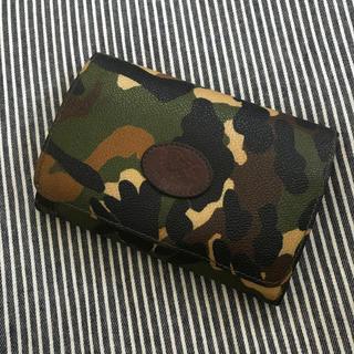 イルビゾンテ(IL BISONTE)のイルビゾンテ カモフラ柄 財布(折り財布)
