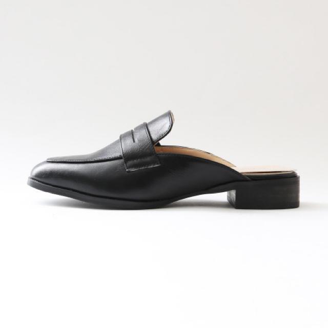 AU BANNISTER(オゥバニスター)のAu BANNISTER スリッパローファー サンダル パンプス オゥバニスター レディースの靴/シューズ(ローファー/革靴)の商品写真