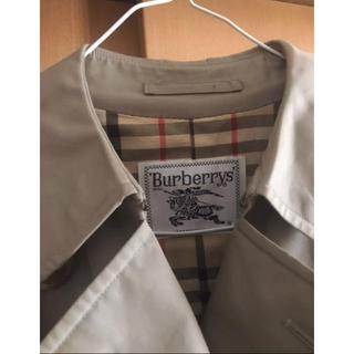 バーバリー(BURBERRY)のBurberrys trench coat(トレンチコート)
