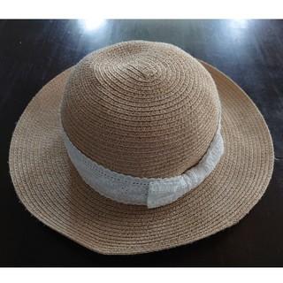 エニィファム(anyFAM)のanyFam 麦わら帽子 54cm 白リボン レース(帽子)