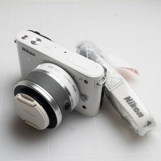 ニコン(Nikon)のニコン ミラーレス一眼・カメラ Nikon1 J1(ミラーレス一眼)