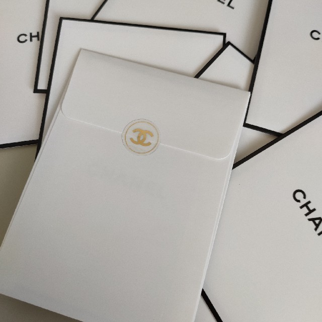 CHANEL(シャネル)の新品未開封 シャネル ノベルティ しおり エンタメ/ホビーのコレクション(ノベルティグッズ)の商品写真