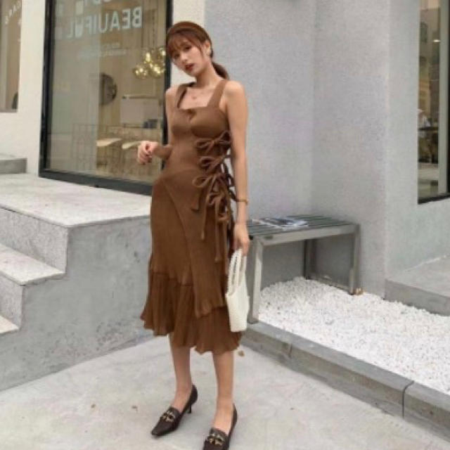 ZARA(ザラ)のBIRTHDAY BASH RIBON BROWN DRESS レディースのワンピース(ひざ丈ワンピース)の商品写真