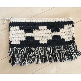 トゥデイフル(TODAYFUL)の新品 マクラメ編み ナチュラルクラッチ PCケース マルチポーチ (クラッチバッグ)