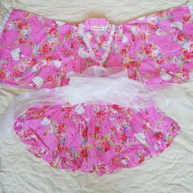 サンリオ(サンリオ)のSANRIO Hello  Kitty   ハローキティ柄キッズ浴衣 甚平120 キッズ/ベビー/マタニティのキッズ服女の子用(90cm~)(甚平/浴衣)の商品写真