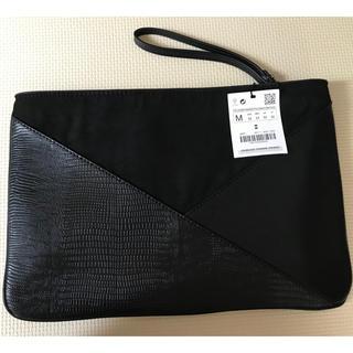 ザラ(ZARA)のZARA クラッチバッグ 黒 新品未使用タグ付き(クラッチバッグ)