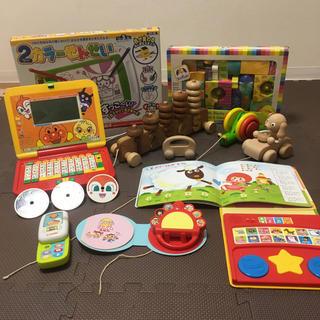 アンパンマン(アンパンマン)のアンパンマンパソコンだいすき木のおもちゃどうようえほんリズムえほんボイキド積み木(知育玩具)